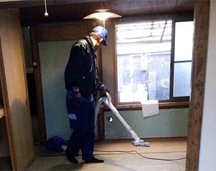 作業後の室内の掃除