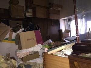 堺市にて孤独死現場の清掃と遺品整理1